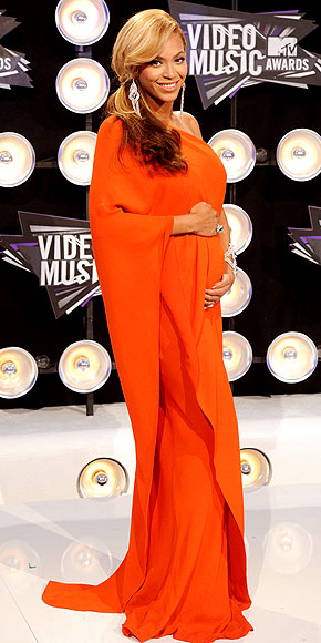 VMAs 2011 THE CLOTHES!