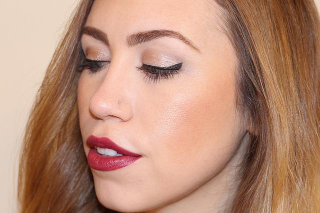 Makeup Monday: Holiday Berry
