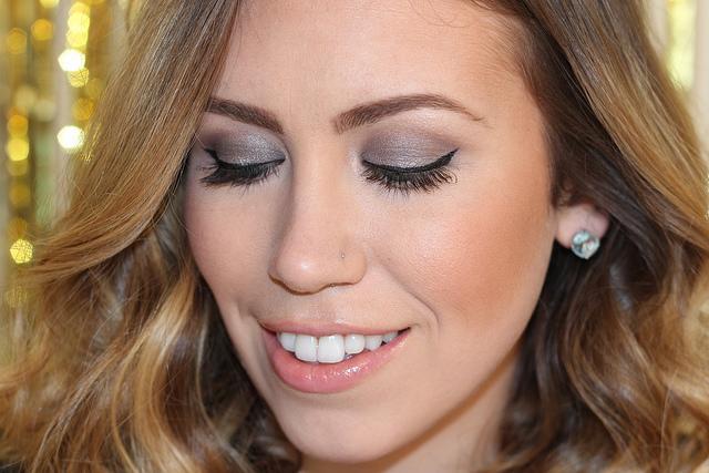 Makeup Monday: Shades of Gray + Giveaway