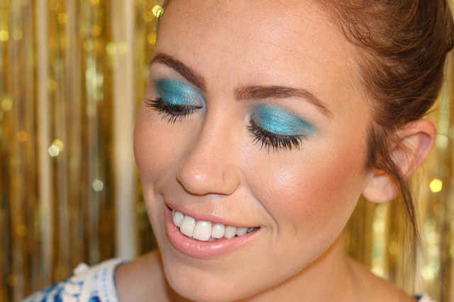 Makeup Monday: Bright Blue + BA STAR Giveaway