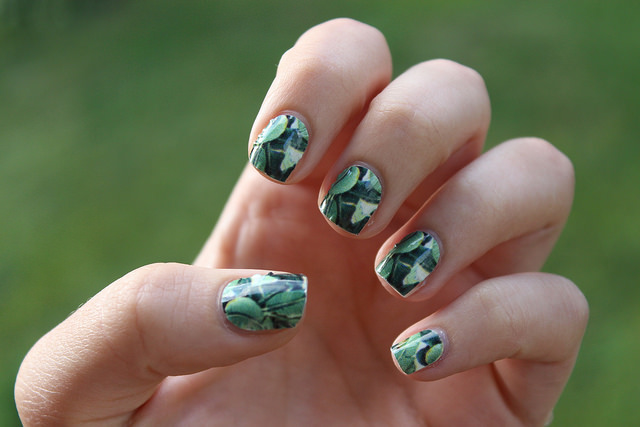 Leafy Nails