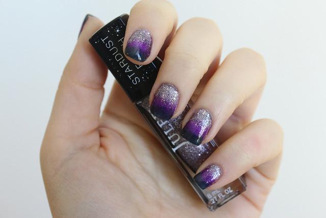 Gradient Glitter Nails
