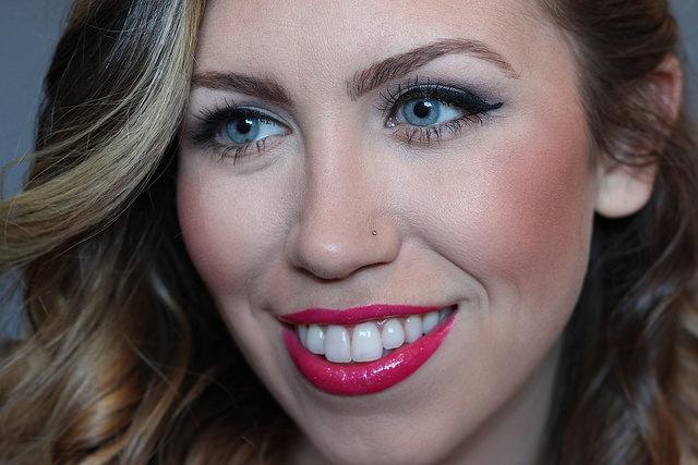 Makeup Monday: Dazzle Glass