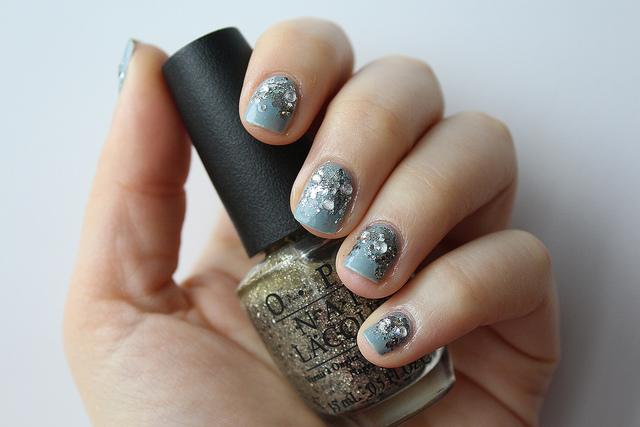 Glitter & Gray Nails