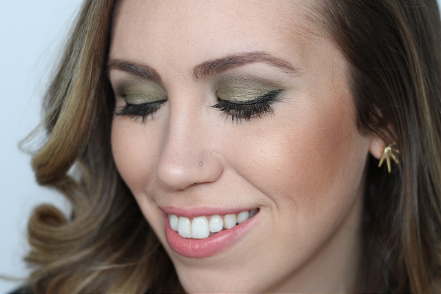 Makeup Monday: Army Green Smoky Eye
