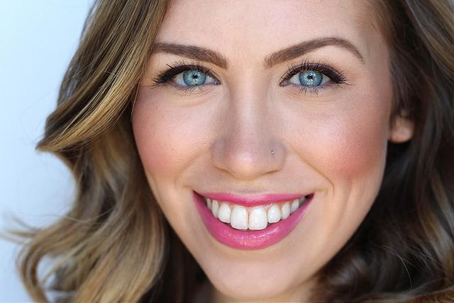 Makeup Monday: Sarah Hyland's Kids' Choice Awards Look