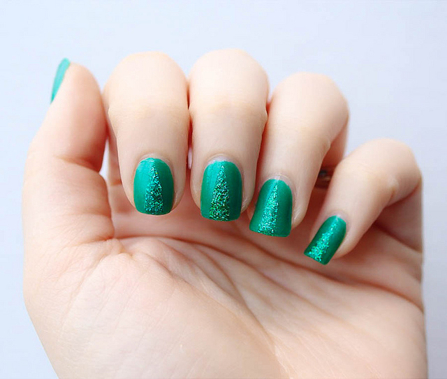 Green Glitter Christmas Tree Nails