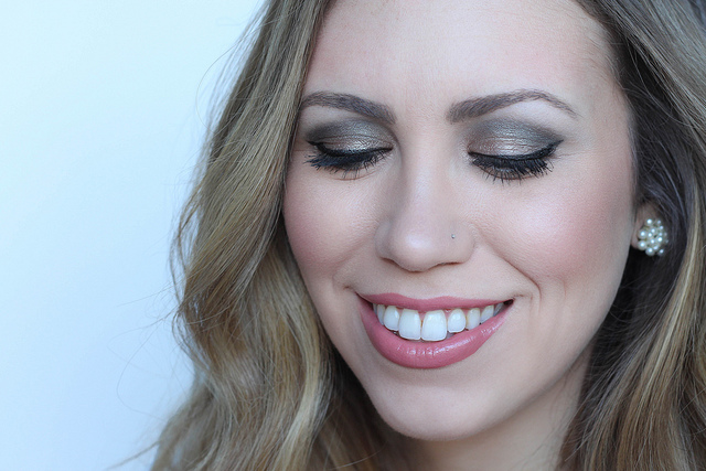 Makeup Monday: Soft Emerald Green Eye & Neutral Lip