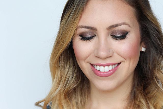 Makeup Monday: Metallic Berry Fall Makeup