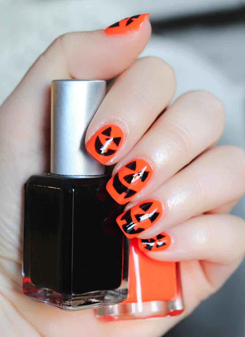 Jack-o-Lantern Pumpkin Halloween Nail Art Manicure | 6 Halloween Manicures That are SCARY Good | Halloween Nails | Nail Art | Nail Designs | Spooky Nails