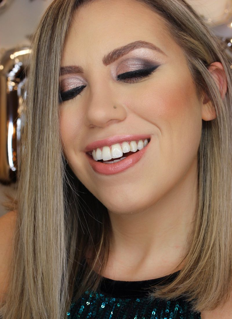 Holiday Makeup Monday Tutorial: Smokey Sparkly Eyes