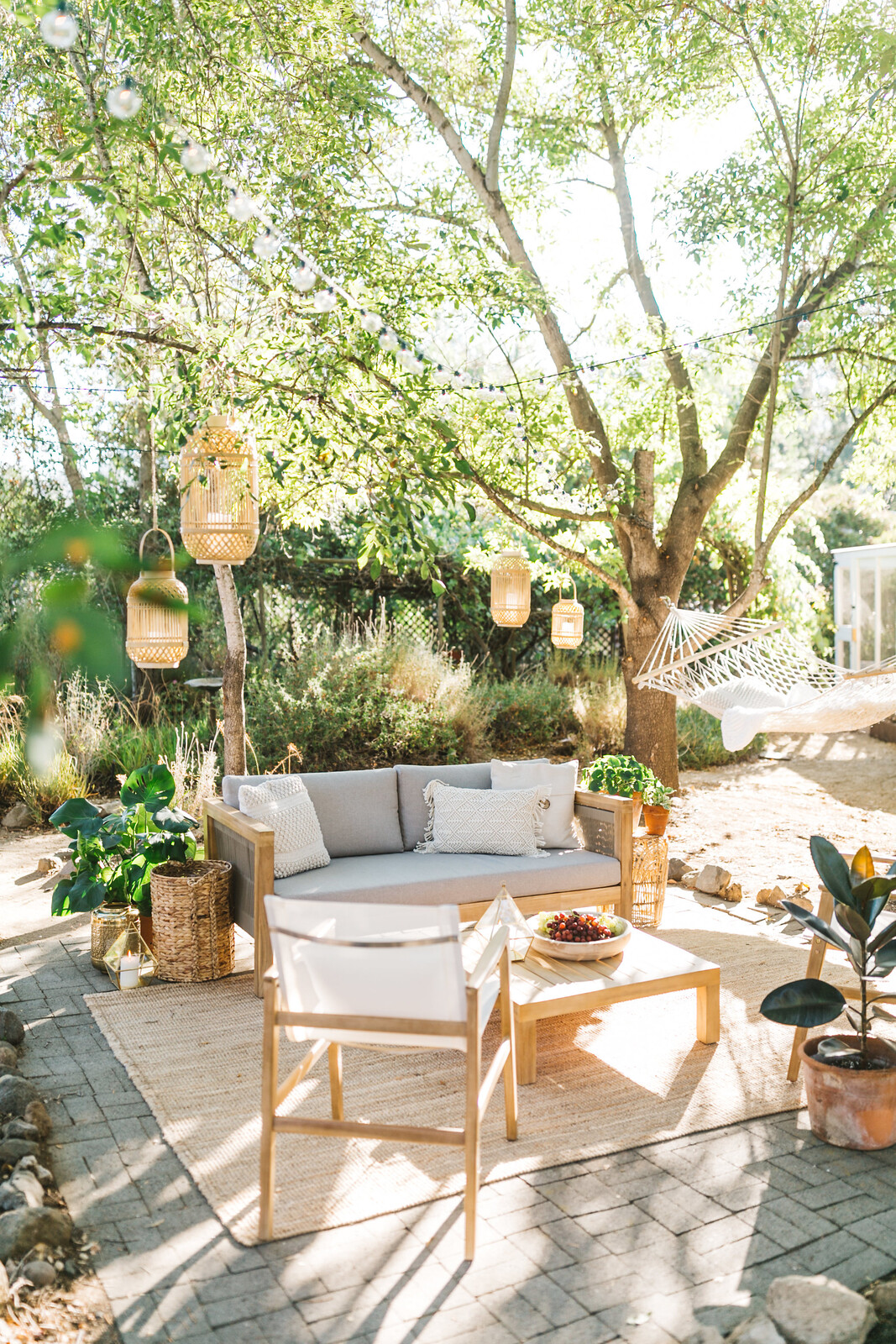 5 Tips for Creating a Cozy Outdoor Oasis at Your Home