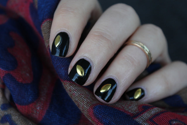 Halloween Nails | Gold & Black