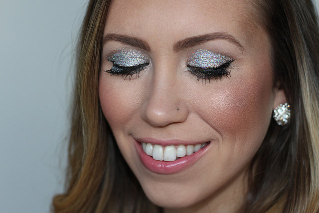 Makeup Monday: Glitter Eyes