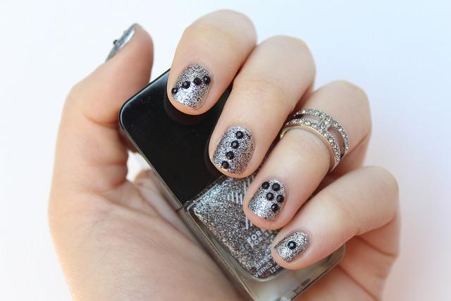 Textured Glitter Nails