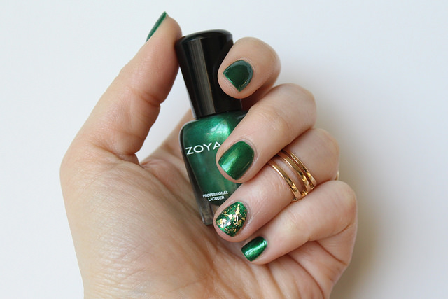 Green & Gold St. Patrick's Day Manicure