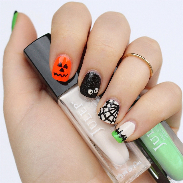 Crazy Halloween Nails | Manicure Spiderweb Nail Art Spiders