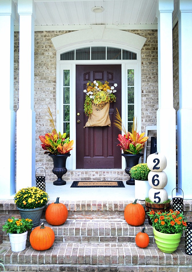 Fall Outdoor Decorating Ideas - living after midnite on Fall Backyard Decorating Ideas id=66907