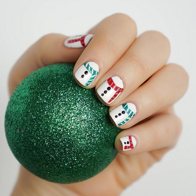 Holiday Snowman Scarf Nail Art