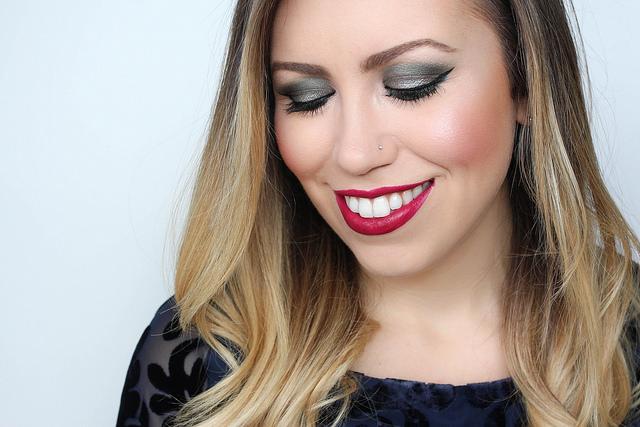Makeup Monday: Festive Green Eyeshadow
