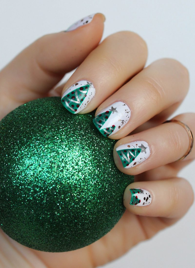 The Best & Easiest Christmas Tree Manicure