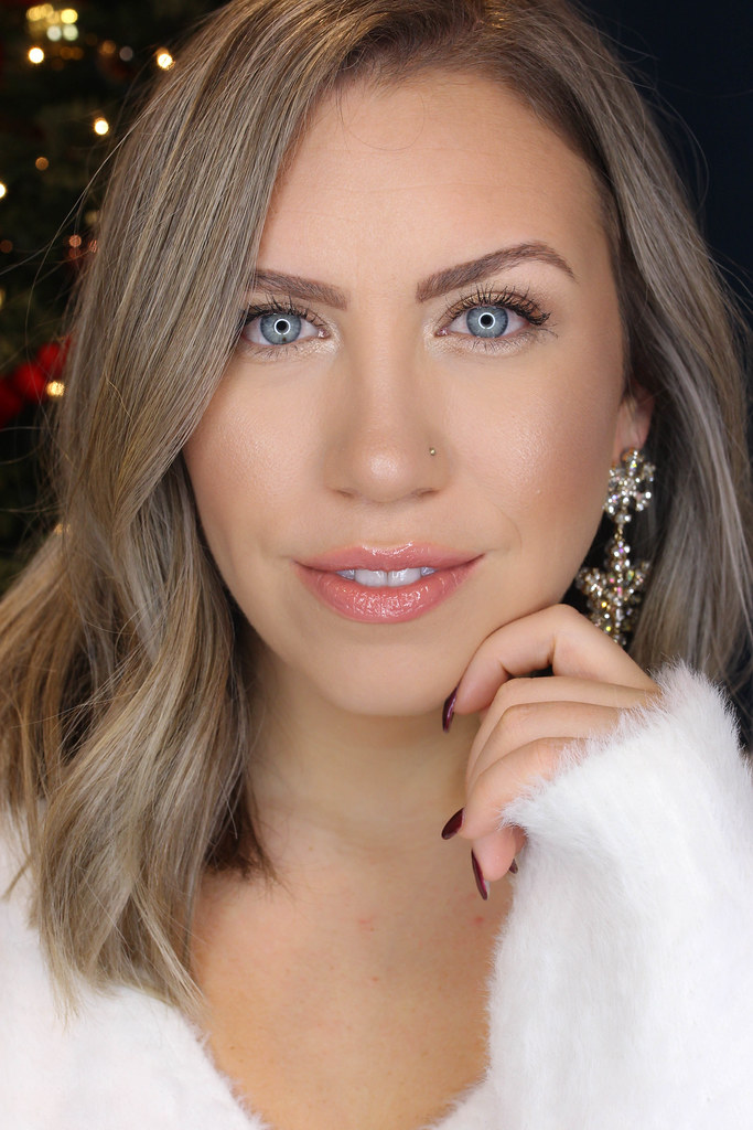 Holiday Makeup Monday Tutorial: Easy Neutral Metallic Eyes