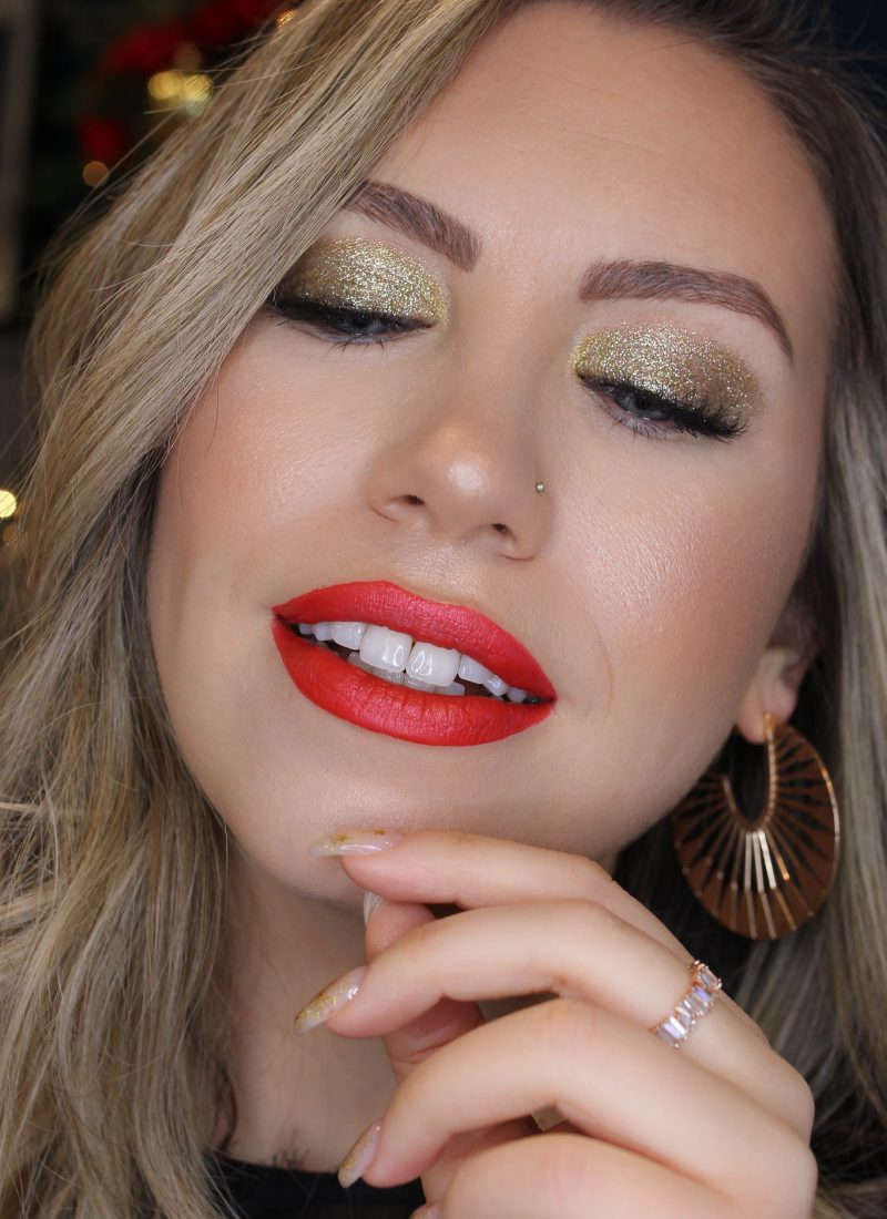 Holiday Makeup Monday Tutorial: Gold Glitter Eyes