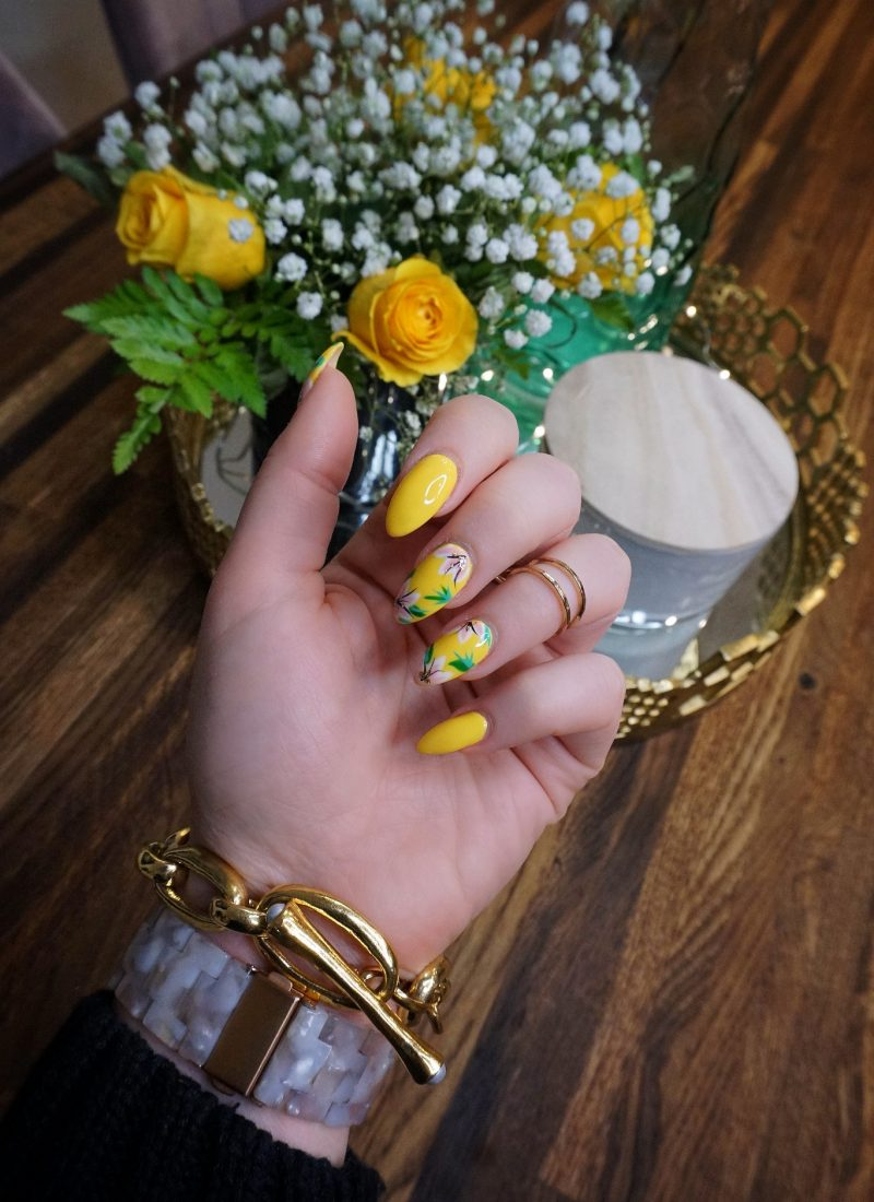 Yellow Flower Spring Nail Art Manicure Inspiration