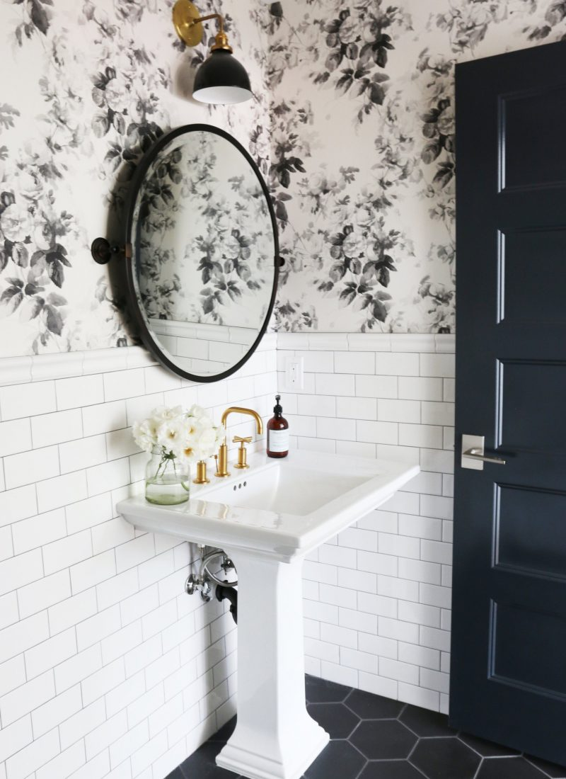 25 Wallpapered Bathrooms That Will Make You Want to Redecorate