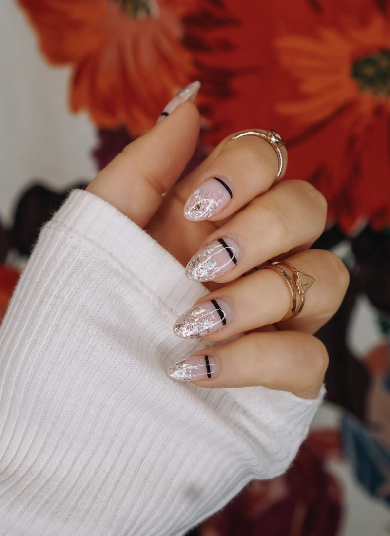 Manicure of the Month: Silver Foil Nails | New Years Eve Manicure Ideas | Edgy Nail Art | Minimal Nail Design | Fall Nails | Autumn Nails Acrylic