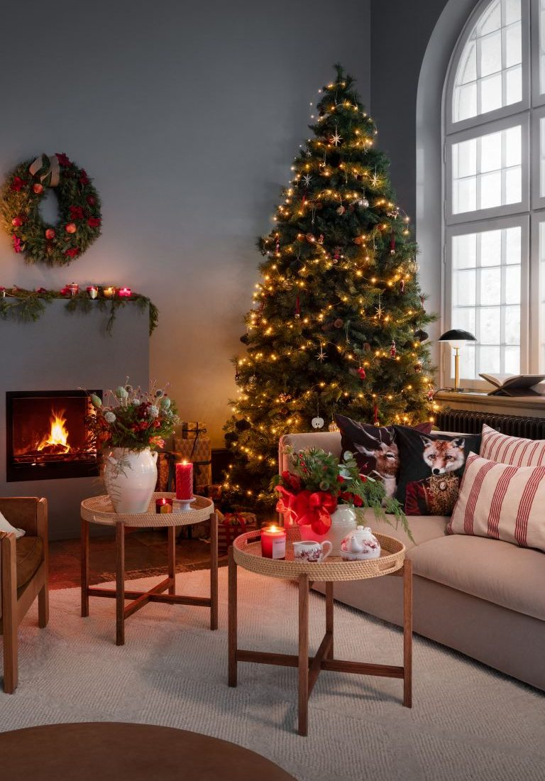 H&M Home Christmas Collection | Affordable Holiday Decor | Christmas Tree Decorating | Inexpensive Christmas Decor | Christmas Lights | Living Room Christmas Decorating Ideas | Cozy Christmas