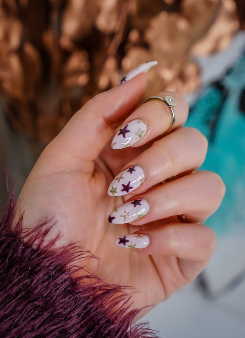 Manicure of the Month: Sparkly Star Nails | Star Manicure | Gold Rose Gold & Burgundy Stars | Pink Star Mani | Almond Shape Nails | UV Gel | Hard Gel | Nail Art Inspiration | Nail Design